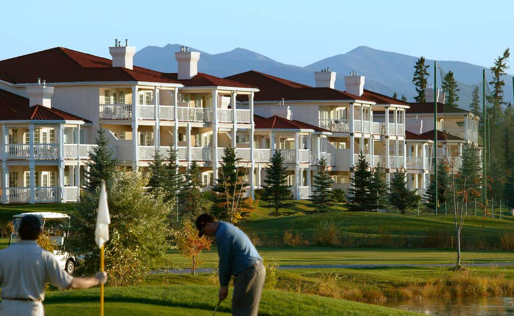 Golfing-on-Condo-Community