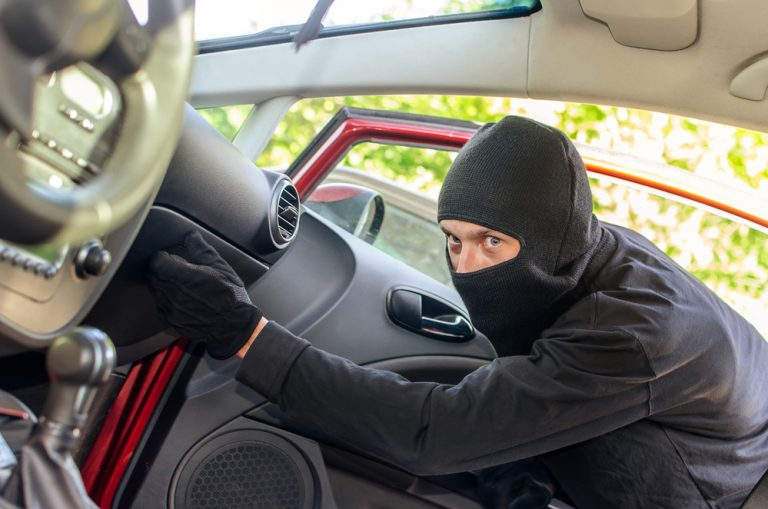 Your Car Is Rich Target for Information Thieves